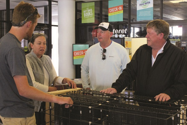 Weirich speaks with potential oyster farmers